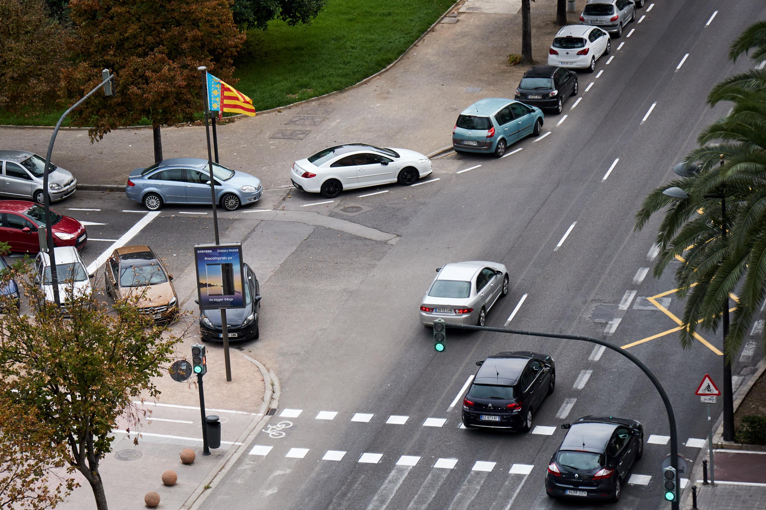 Crossing on Avenida de Blasco Ibañez