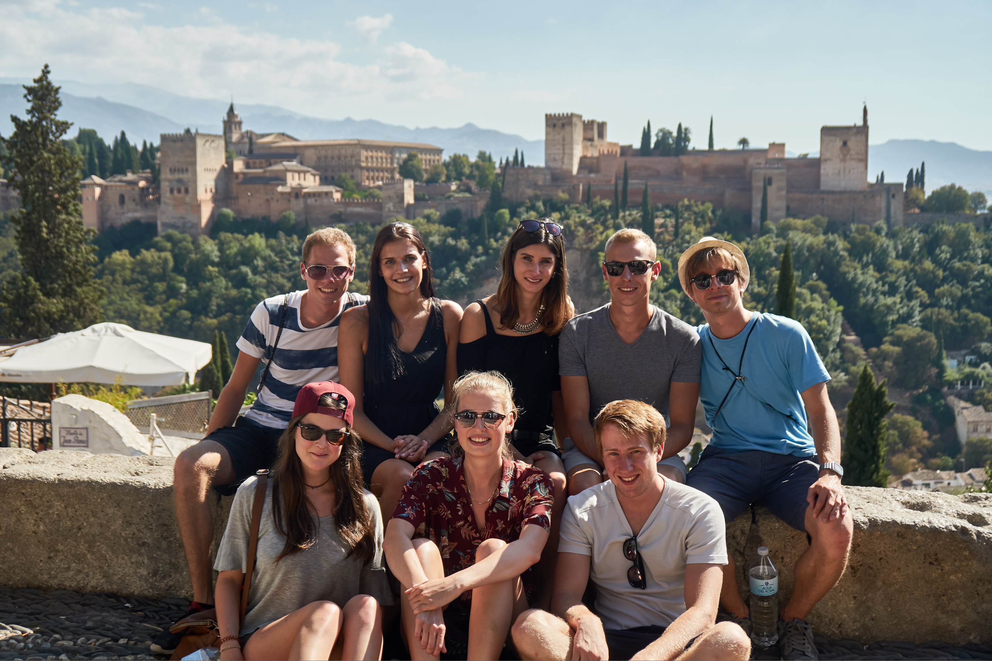 group picture in front of the Alhambra